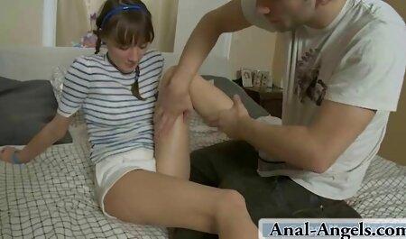 Claudias kleine tittenporno Fußshow 2