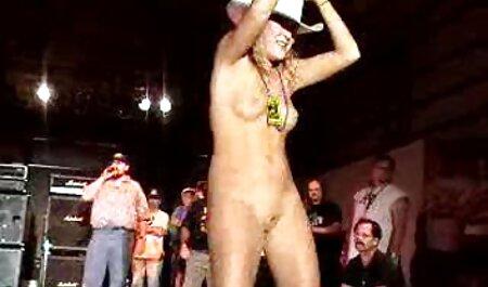 Schöne titten porn tube junge Brünette mit einem Dildo