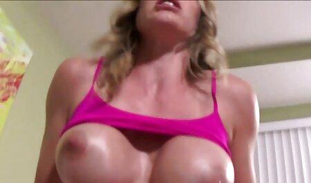 Alte Clips von kleine titten gefickt halb bekannten Pornostars